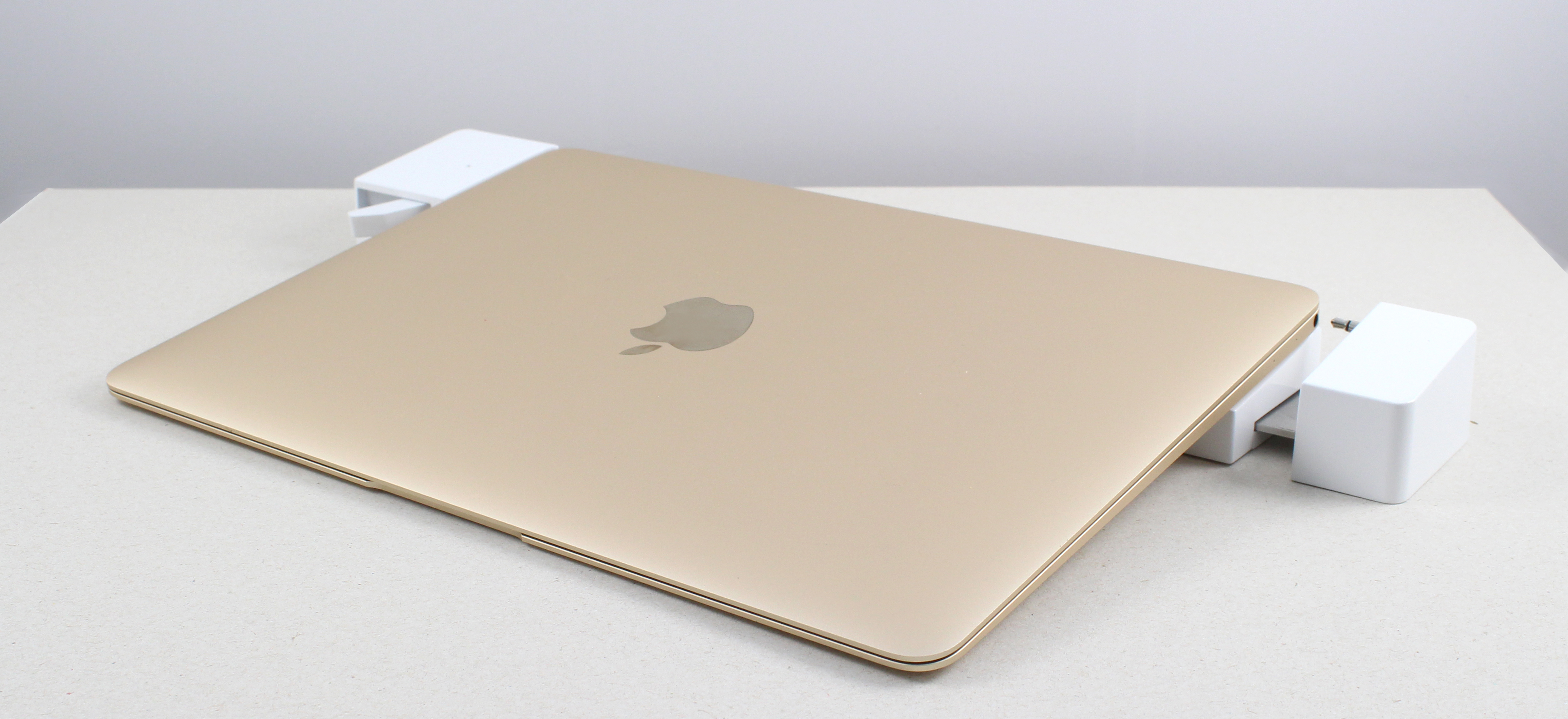 Landingzone Unveiling The 12 Inch Macbook Dock At Ces 2016
